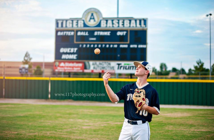 From Tigers to Tigers, Arlington pitcher Andrew Edwards commits to Memphis