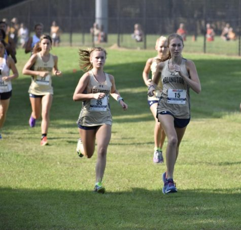 Cross Country Team Sweeps Weekend Race