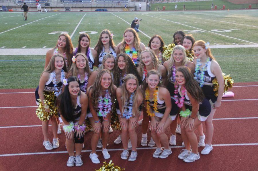 Meet your 2021-2022 Varsity Cheerleaders!